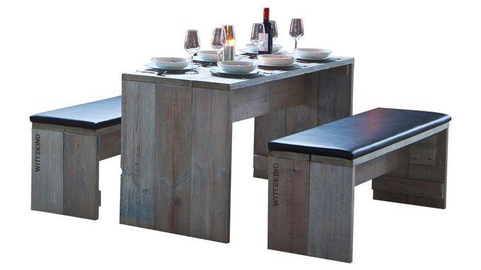 Das Design und die besondere Optik der WITTEKIND Outdoor-Möbel ist durch das abgewitterte Fichtenholz, die natürliche Patina und die Wachsölbehandlung geprägt, welches die Natürlichkeit und die Verbundenheit zur Natur und zum Holz von WITTEKIND deutlich macht.