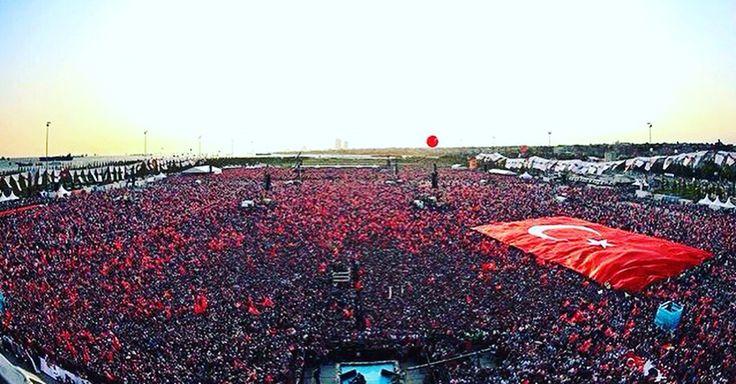 Birlik ve beraberlik içinde Ne Mutlu Türk'üm Diyene! #turkiye #turkey #nemutlutürkümdiyene #nemutluturkumdiyene #yenikapi #hepbirlikte #hepbirliktetürkiyeyiz
