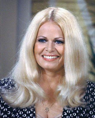 SALLY STRUTHERS 8X10 PHOTO ALL IN THE FAMILY