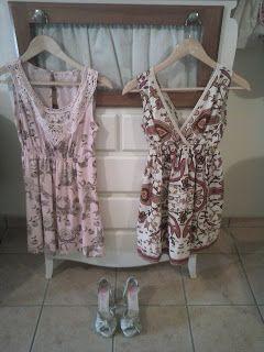 Vestido rosa palo de Mismash. Sandalias de Giossepo.