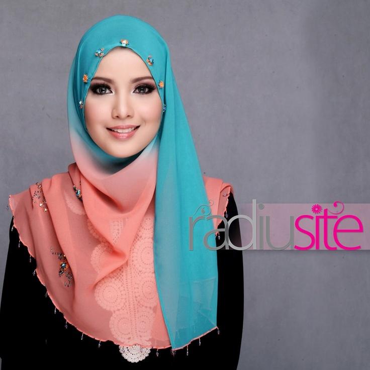 http://abayatrade.com  muslim fashion magazine  Tudung Shasmeen Sofia...what a lovely hijab!
