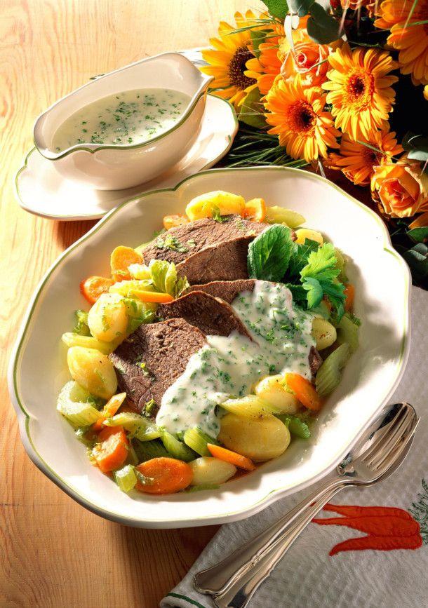 Unser beliebtes Rezept für Tafelspitz mit Bouillongemüse und mehr als 55.000 weitere kostenlose Rezepte auf LECKER.de.
