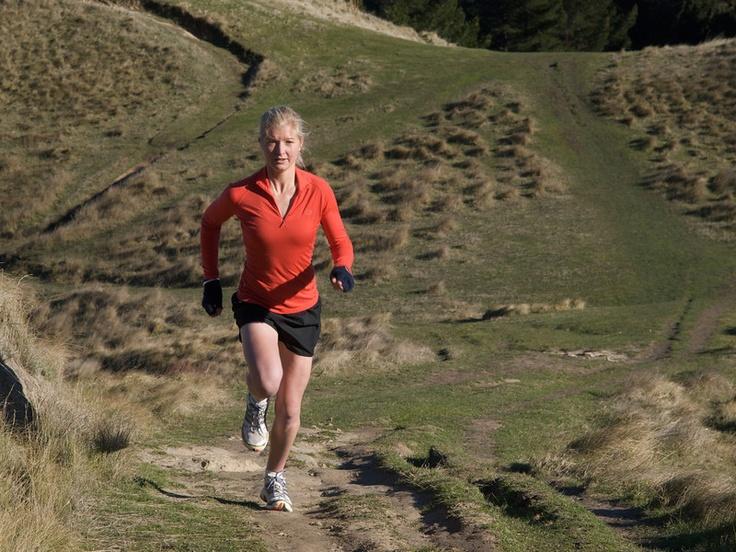 Runner at Te Mata Peak, Havelock North, Hawke's Bay.