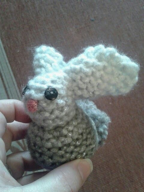 Knitted square rabbit