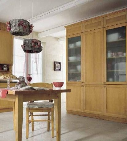 Mobile cucina in legno massiccio, costruito su misura, personalizzabile. #Produzione e #vendita mobili in pino massiccio Demar Mobili. #progettazione #mobilirustici #cucine #arredamentirustici www.demarmobili.it