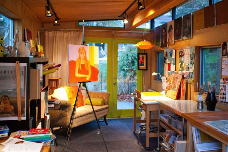 This art room though..... Log cabin inspiration #shedmakeover #spacetogrow
