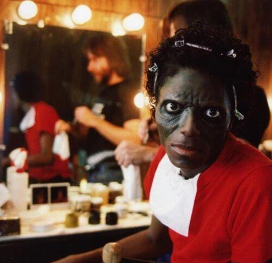 """Michael Jackson siendo maquillado para el video de """"Thriller"""""""