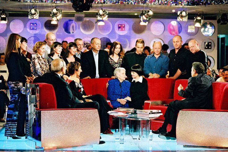 Mireille Mathieu avec sa famille et Michel Drucker à Paris, le 6 novembre 2002