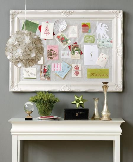 Great way to display Christmas cardsChristmas Cards, Ideas, Cards Display, Holiday Cards, Inspiration Boards, Cork Boards, Bulletin Boards, Corks Boards, Old Frames