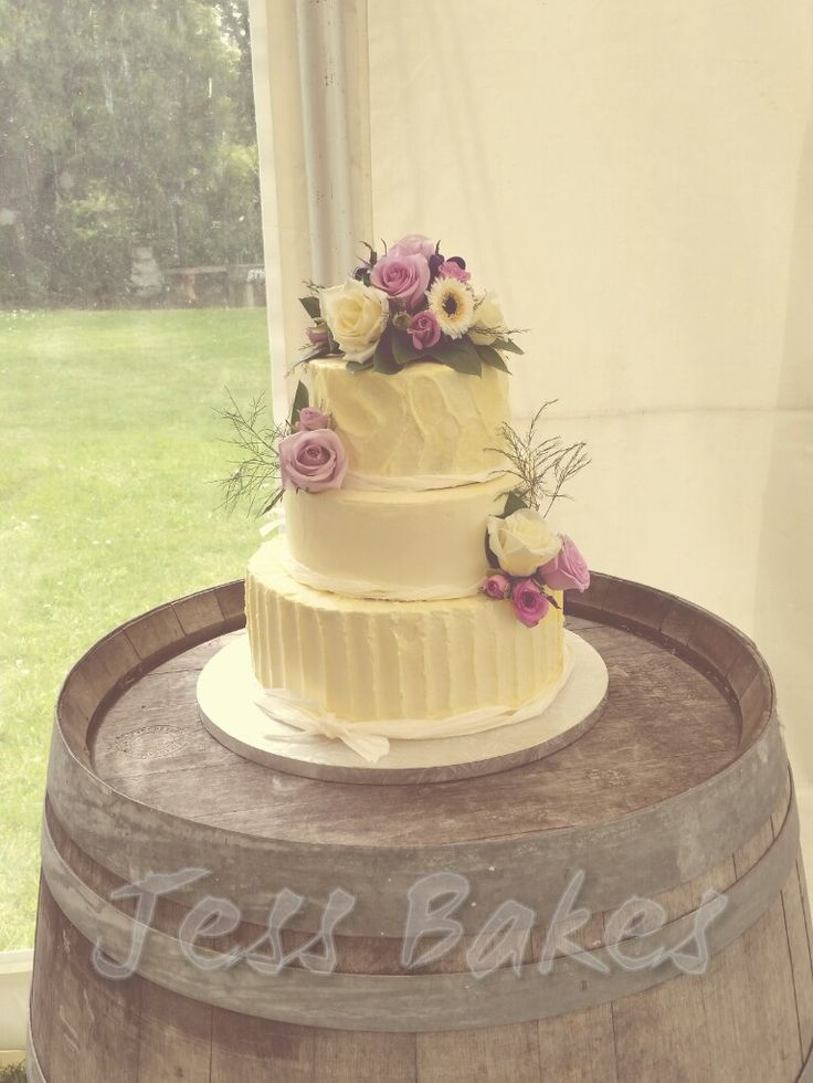 Rustic buttercream wedding cake by Jess Bakes www.jessbakes.net