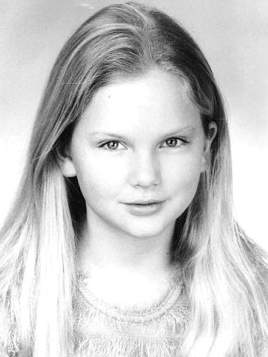 Taylor Swift when she was younger, she was a little angel x