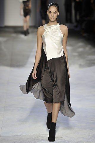 Chalayan Fall 2008 Ready-to-Wear Fashion Show - Emina Cunmulaj