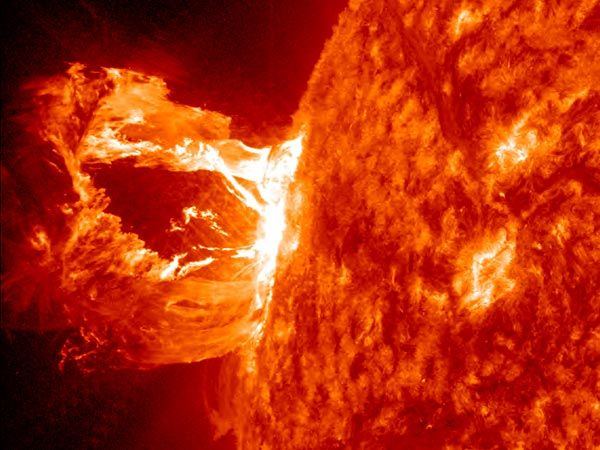 Hubble Images Of Earth | Sun picture: a loop of plasma erupting from the sun, solar flare ...