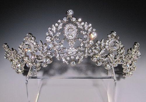 What a pretty tiara!