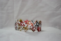 Use Lindt wrappers to make a lovely bracelet! (Part 1)