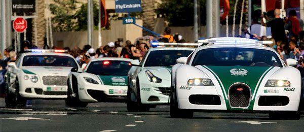 O Dubai já é conhecido por ter a polícia com a melhor frota de automóveis do mundo. Para confirmar esta percepção, a polícia do emirado colocou um novo video na internet onde mostra os carros