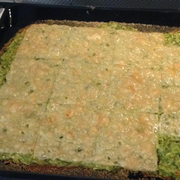 Ricette Zucchine Giallo Zafferano.Schiacciata Di Zucchine Ricetta Cibo Etnico Zucchine Antipasti Di Zucchine