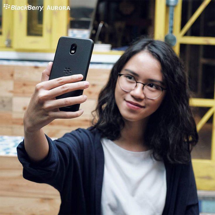 #inst10 #ReGram @bbmerahputih: Selfie jadi gak repot dengan fitur canggih auto-capture dari BlackBerry Aurora! _ Caranya:  Buka aplikasi kamera  Klik logo pengaturan di pojok kiri atas layar  Aktifkan Smile Shoot  Mulai berselfie! _ Serukan mau tau lagi kelebihan dari BlackBerry Aurora? Mention 2 temanmu di comment dulu! _ #BBmerahputih  #BlackBerryAurora ...... #BlackBerryClubs #BlackBerryPhotos #BBer ....... #OldBlackBerry #NewBlackBerry ....... #BlackBerryMobile #BBMobile #BBMobileUS…