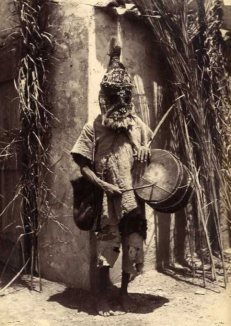 "Africa | ""Un sorcier soudanais"". Algérie.  ca. 1880 