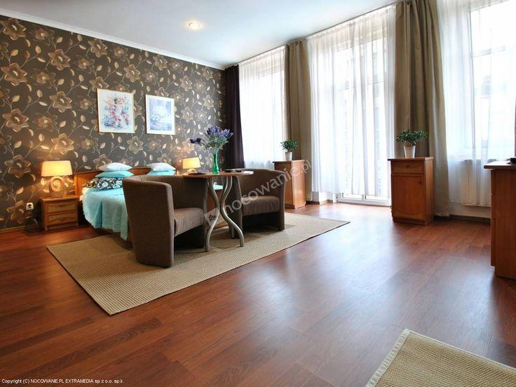 Hostel Kamienica mieści się w Płocku w sercu Starego Miasta. Więcej: http://www.nocowanie.pl/noclegi/plock/hostele/103752/ #nocowaniepl #mazovia