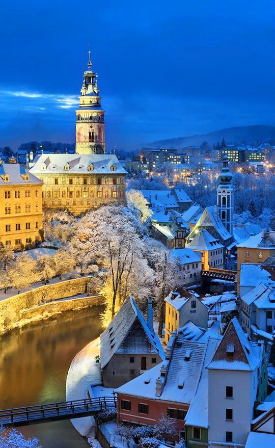 Český Krumlov in winter night (South Bohemia), Czechia #town #castle #winter #night #czechia