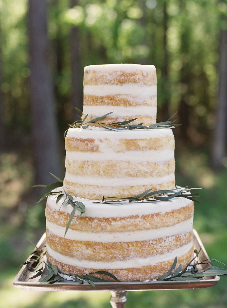 1000 ideas about outdoor wedding cakes on pinterest spring wedding cakes summer wedding. Black Bedroom Furniture Sets. Home Design Ideas