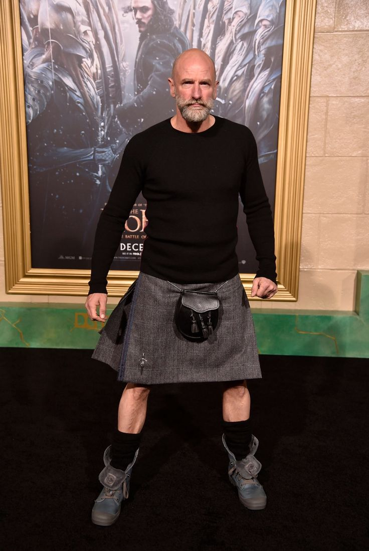 HE SO WEARS THE KILT WELL X