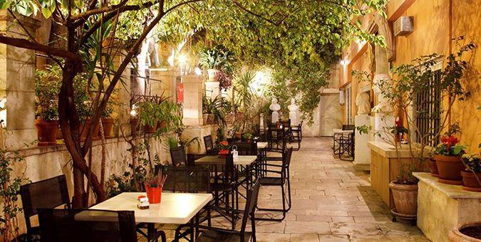 Έξοδος | Καφέ με αυλή: Οι top διευθύνσεις στην Αθήνα
