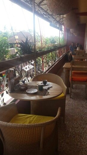 Earth café & market  (organic food)- Ubud, Bali. Vegan & organic food