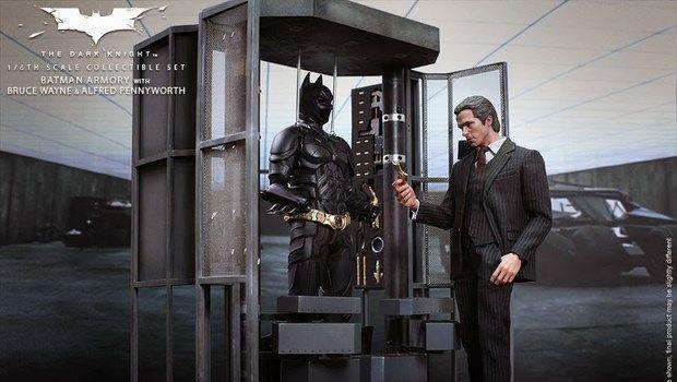 Il cavaliere oscuro - action figure di Christian Bale e replica armeria di Batman