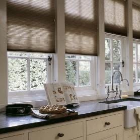 Keuken, wij hebben de juiste ingrediënten om tot een smaakvolle inrichting van jouw keuken te komen. Warme kleuren, mooie structuren en zeer gemakkelijk te reinigen!