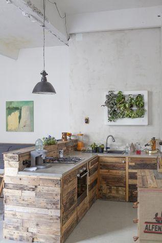 Oltre 25 fantastiche idee su cucina con isola pallet su for Bancali per arredamento