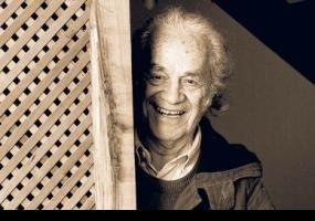 """Artículo en Usach al día, de nuestro académico Felipe Cussen """"Cuando Nicanor Parra ganó el Premio Cervantes"""" http://www.udesantiagoaldia.cl/content/cuando-nicanor-parra-gano-el-premio-cervantes"""