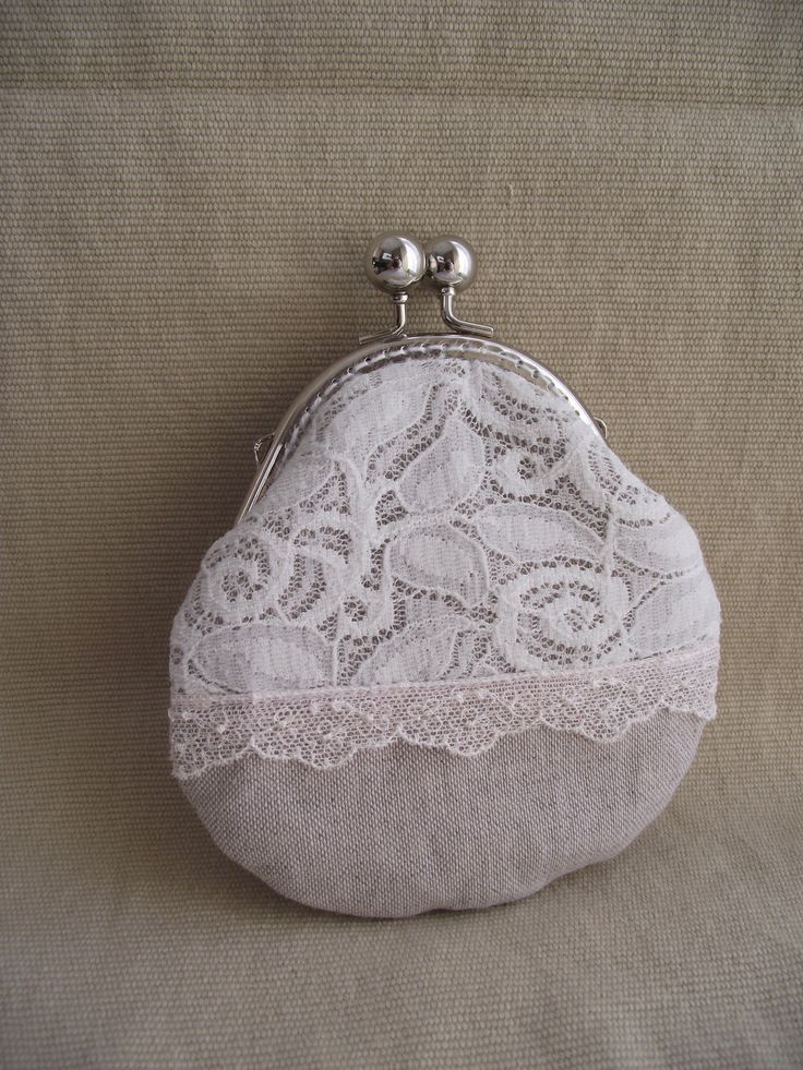 buckle wallet with lace