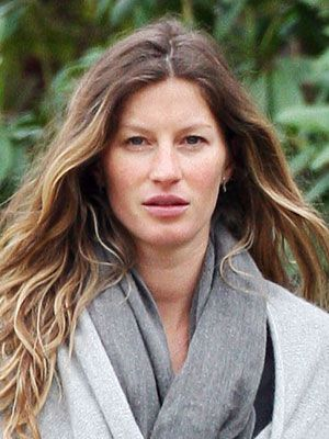 Celebrities & Stars with No Makeup. Gisele Bundchen  Well, this is almost unfair. Gisele is gorgeous. Period.