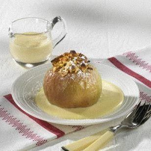Das Rezept für Bratapfel mit Nuss-Marzipan-Füllung und weitere kostenlose Rezepte auf LECKER.de