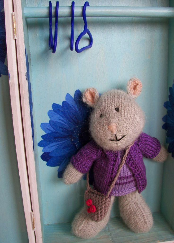 Myszka Stefanka i jej szafa - Stephanie the mouse and her wardrobe