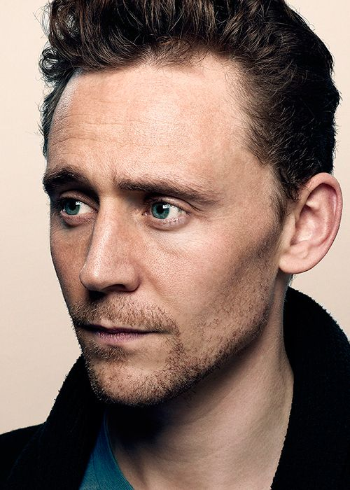 Tom Hiddleston by Colin Bell. Enlarge photo: http://imgbox.com/AqjO1gzM. Source: Torrilla http://torrilla.tumblr.com/post/113597819585/tom-hiddleston-by-colin-bell