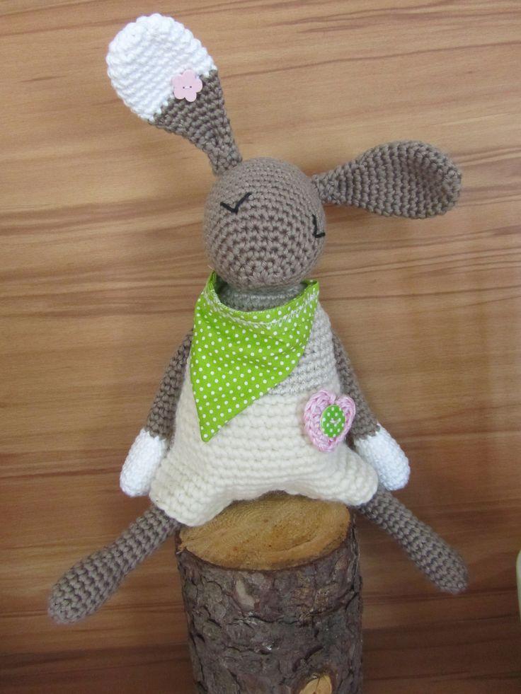 """""""Held-Hase"""" Amigurumi gehäkelt nach einer Anleitung von EineIdee * Crochet Bunny """"Hero-Bunny"""" **  Made by Meli :-)"""