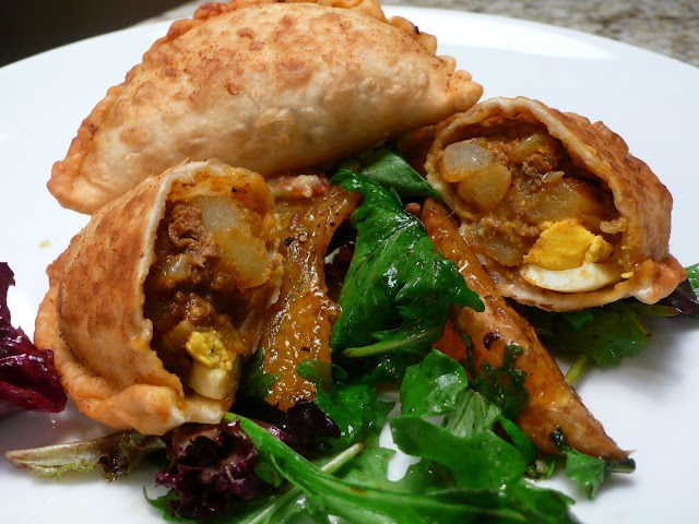 Curried Beef and Potatoes Turnover (Epok-Epok) - recipe
