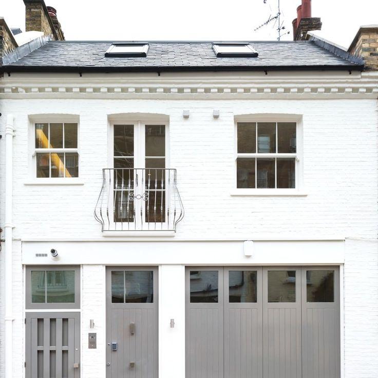【外観と内部】ロンドンのリノベーションハウスの駐車場   住宅デザイン