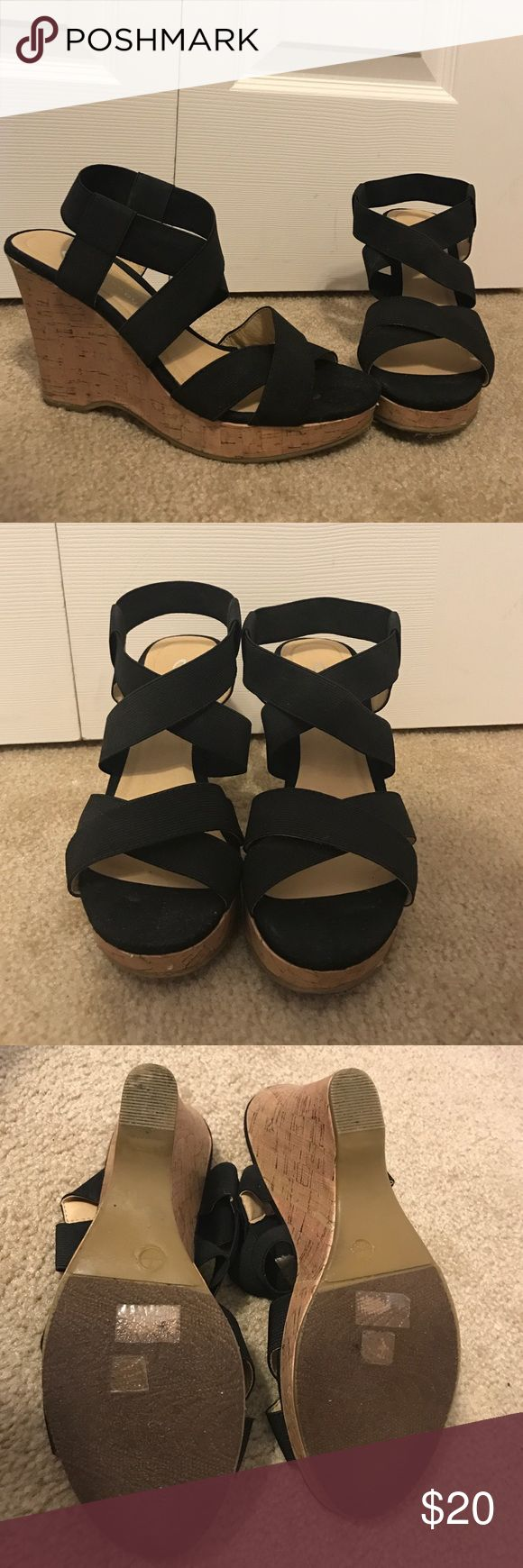 👠Shoes- Wedges Tan and black wedges. Perfect for every outfit. Black straps are stretchy material so they are very comfortable. Worn only a few times (unfortunately just a 1/2 size too big for me). Brand: CL by Laundry Design ✅Great deal!✅ Save with bundle discounts💰 I also offer customized bundles🛍  Interested? Leave a comment below 👇🏼 ~~~~~~~~~~~~~~~~~~~~~~~~~~~~~~ Steve Madden Shoes Wedges