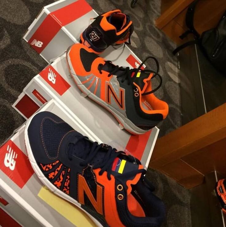 What Pros Wear Jose Altuve's New Balance 3000v2 Cleats What Pros Wear