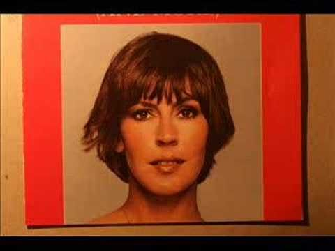 Helen Reddy ~ early 1970's singing 'I Don't Know How to Love Him'....... for me I did not really follow her but there is no doubting, she had enormous popularity!