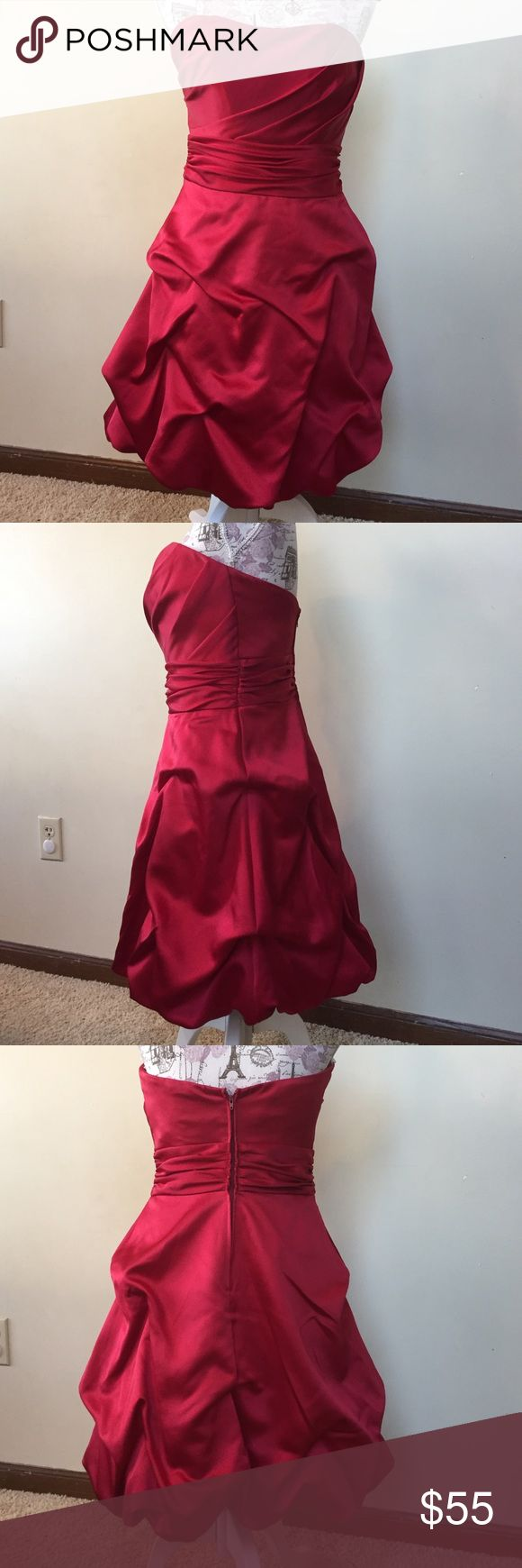 NWT Apple Red strapless party dress - gorgeous! Absolutely gorgeous shade of red dress!  Perfect for New Years Eve!   Size 4 David's Bridal Dresses Strapless