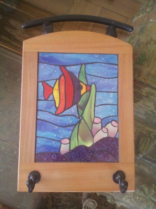 Perchero de pescadito hecha con mosaicos