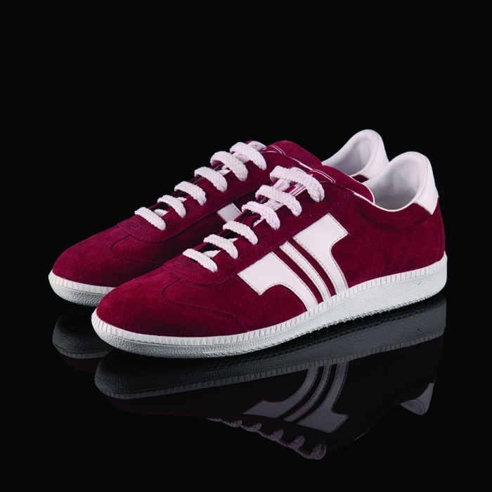 Tisza sneakers are available online now!