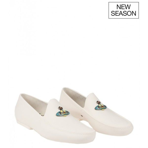 Vivienne Westwood White rubber logo plaque loafers (251,050 KRW) ❤ liked on Polyvore featuring men's fashion, men's shoes, men's loafers, mens white shoes, vivienne westwood mens shoes, mens loafer shoes and mens rubber shoes