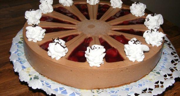 Gluténmentes feketeerdő torta Zila tortaformában