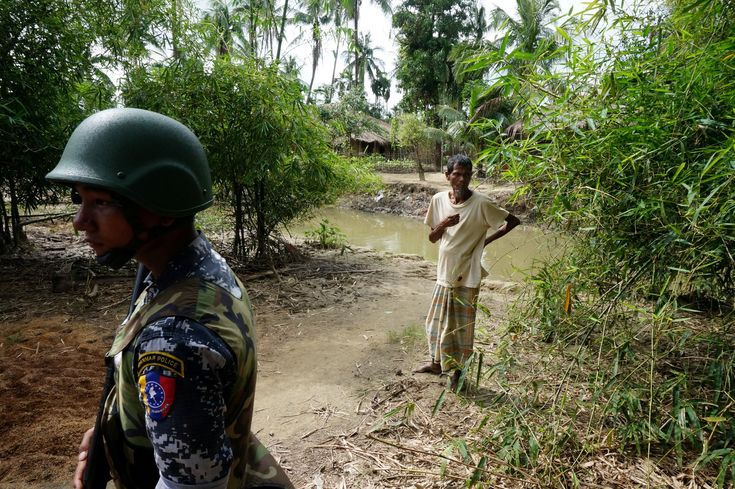 RAKHINE STATE – Three bombs exploded simultaneously on Saturday morning in front of official buildings in Sittwe, capital of Rakhine, a state in turmoil in western Burma, lightly injuring one policeman. The region, which borders Bangladesh, has been under intense tension for months. In the ...